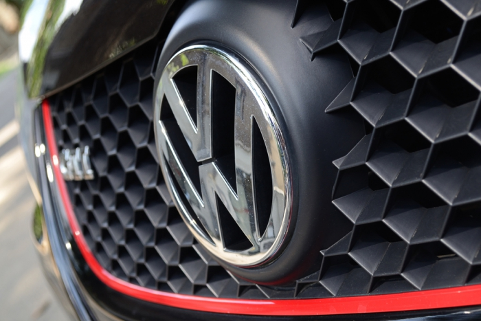 Volkswagen потерял 20% цены за один день