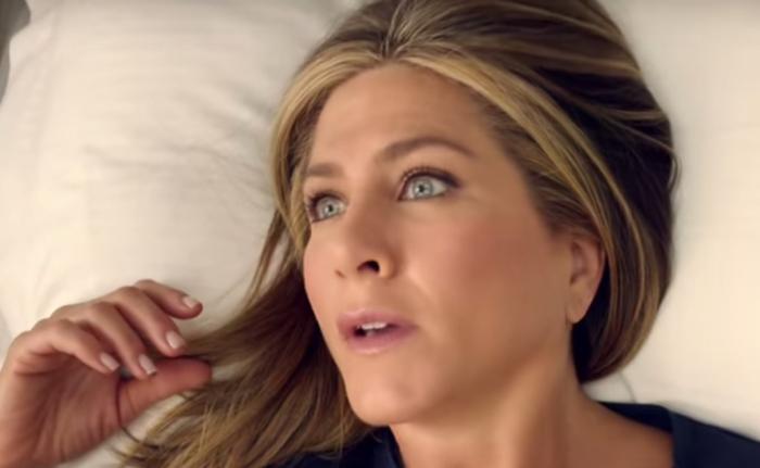 Дженнифер Энистон просыпается в комфортном и роскошном окружении на борту Эмирейтс