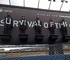 Xbox установил билборд из живых людей