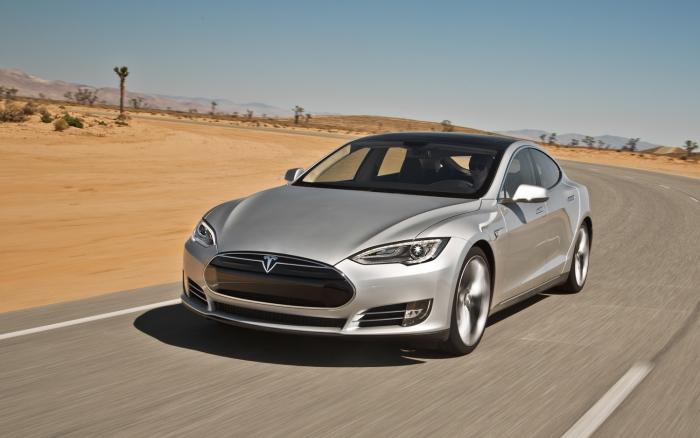 Tesla отзывает все выпущенные электромобили Model S