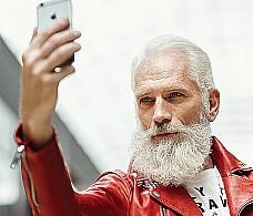 Модный Санта - главный символ новогоднего маркетинга