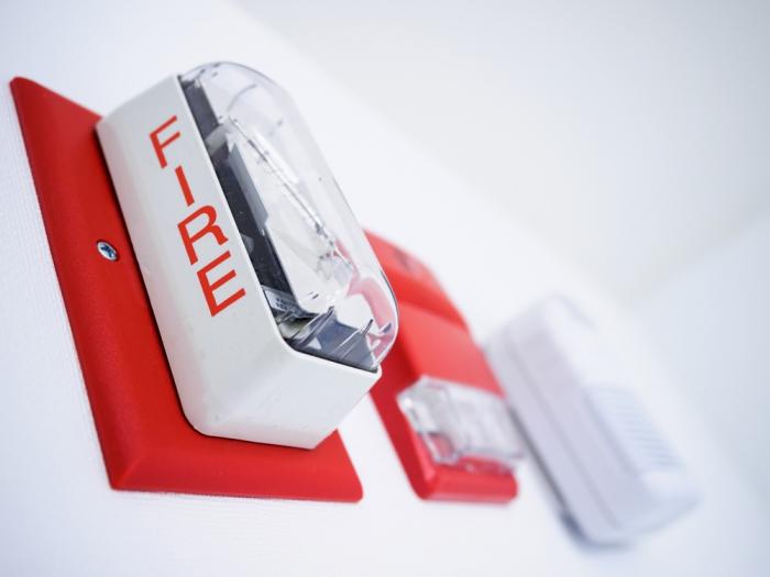 Пожарные инспекторы смогут закрывать компании натри месяца