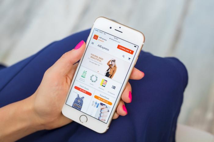 Alibaba объединился с популярными брендами для борьбы сподделками