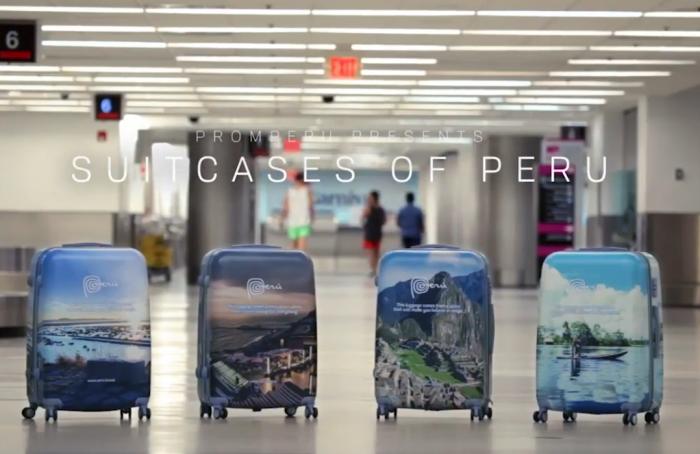 Рекламу Перу разместили на чемоданах