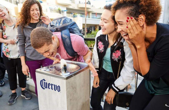 Бренд Jose Cuervo напоил американцев текилой из фонтанов