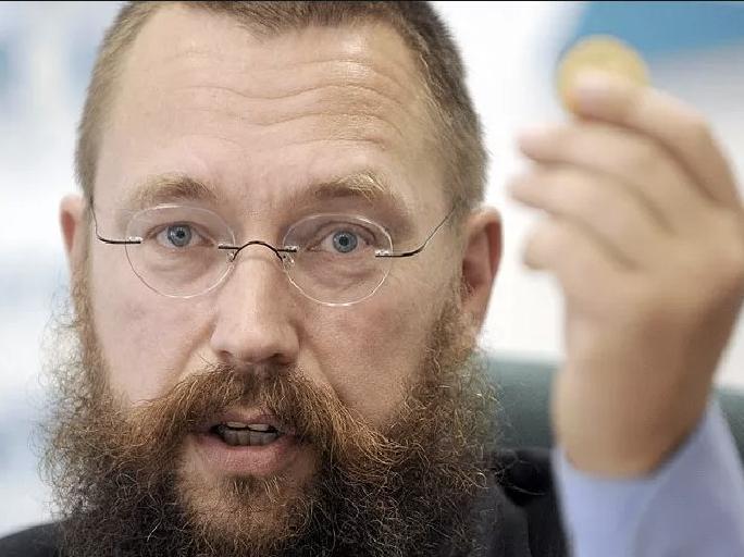 Скандально известный Герман Стерлигов открывает 1-ый в РФ магазин биткоинов «для богатых»