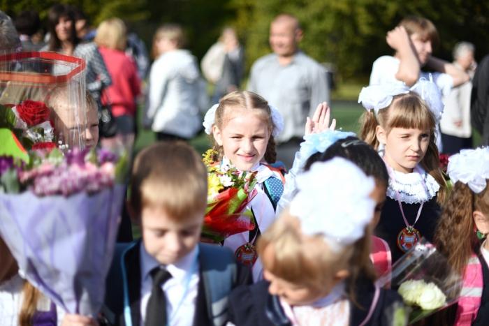 Астраханцы стали чаще брать кредиты для сборов детей вшколу