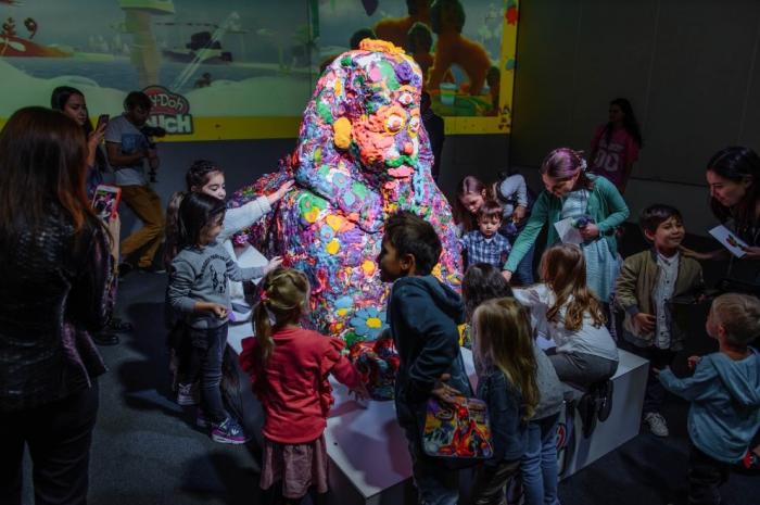 Hasbro и PR-студия RODNYA превратили фантазии детей в искусство