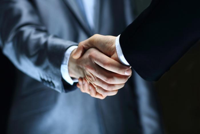 ИД «Коммерсантъ» принес извинения «Роснефти»
