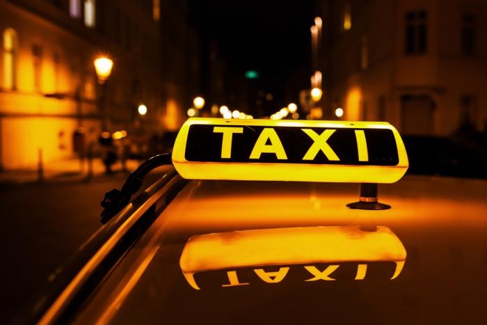 «МаксимаТелеком» разместит рекламу в такси