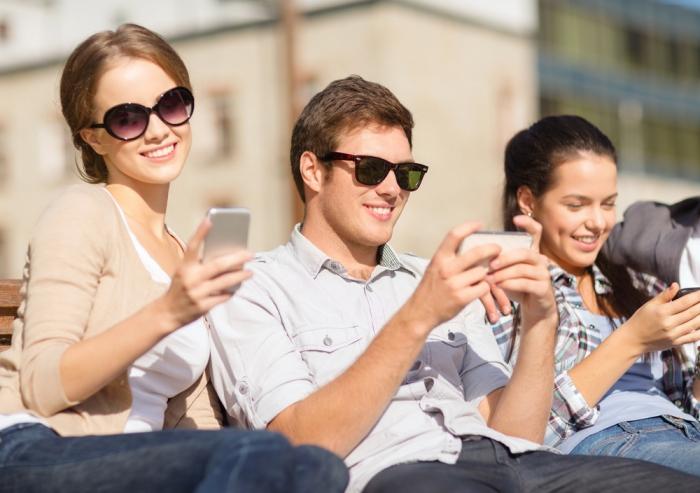 Продажи телефонов  увеличились  РФ  в 2017г.