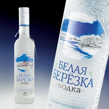 """""""Белая березка """" - водочный бренд премиум-класса.  С 2011 г. владельцем торговой марки является  """"Алкогольная сибирская..."""