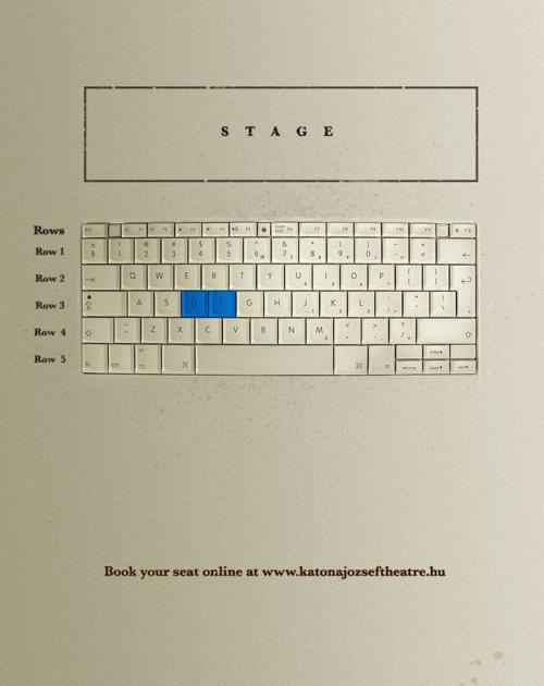 Расположение мест в зале театра выполнено в виде клавиатуры.  Надпись на.