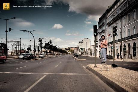 Рекламный принт Renault Scenic - надпись:
