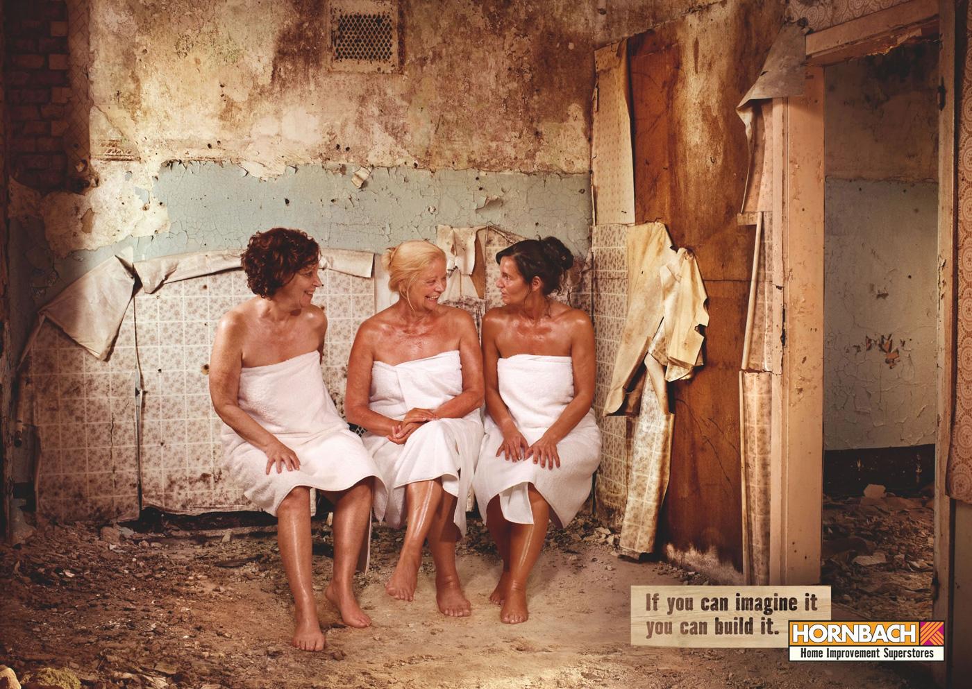 golie-nudisti-na-chernom-more