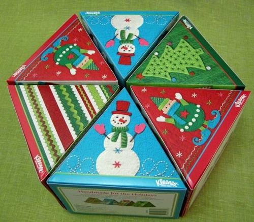 Рождественская упаковка Kleenex