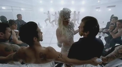 Кадр из клипа Lady Gaga Bad Romance