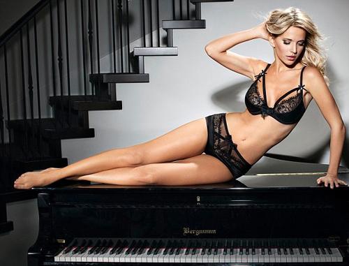 сексуальные девушки пианино-шщ1