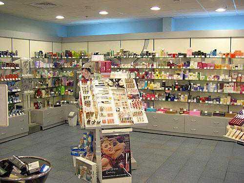 Чем торгуют магазины косметики