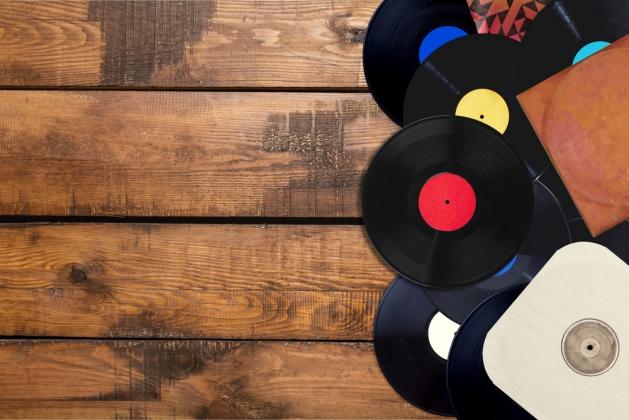 Музыка из рекламы казино слушать безплатно игровые аппараты