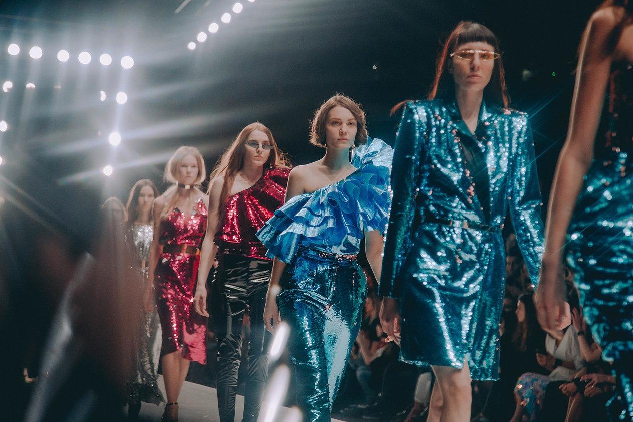 3 в 1  Mercedes-Benz Fashion Week Russia, Futurum Moscow, Pop-Up Shop 7bcade9e02a